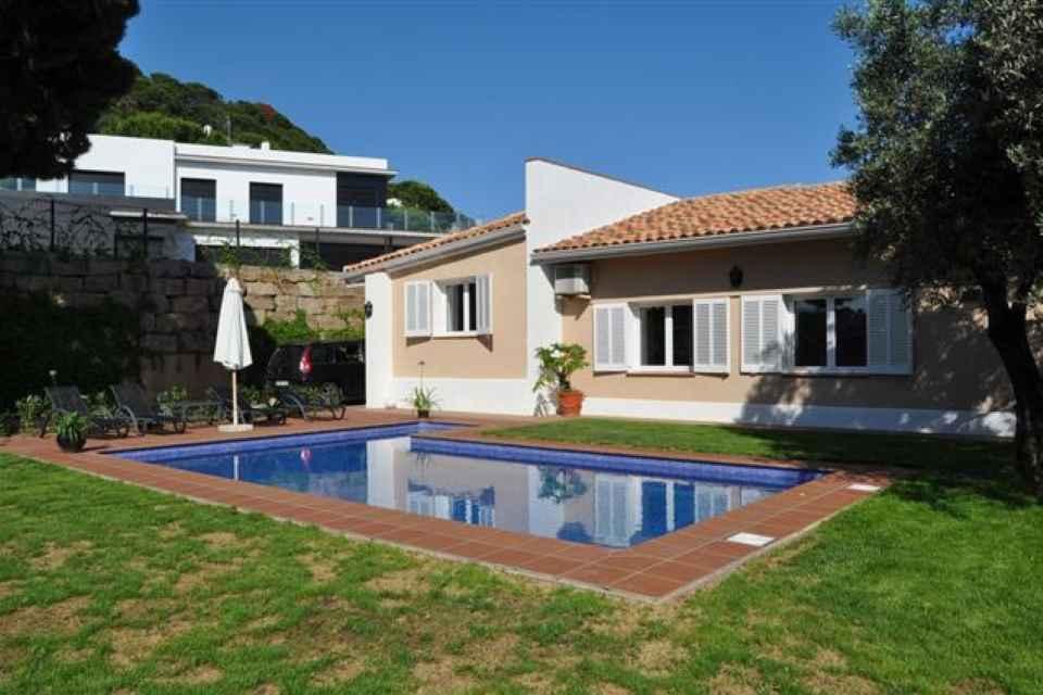 Casa con vistas al mar en venta_ Lloret de Mar_ Mandarina Hosues (1).jpg